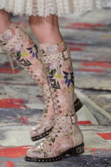 alexander-mcqueen-shoes-spring-summer-2017-paris-31